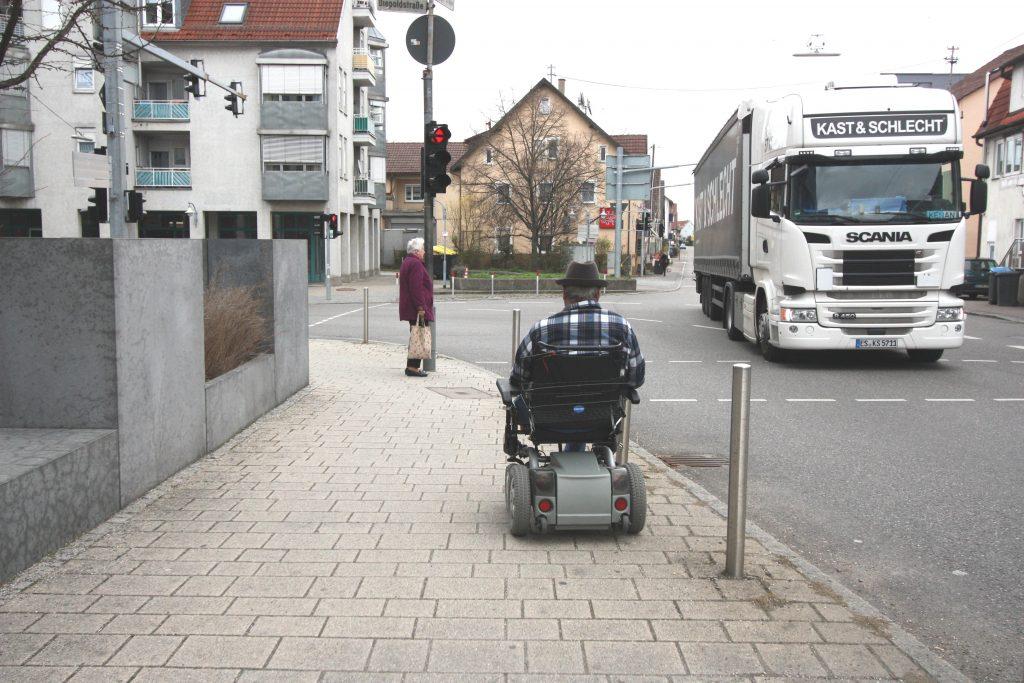 Mit GPS-Tracker können demente Menschen selbstständig bleiben