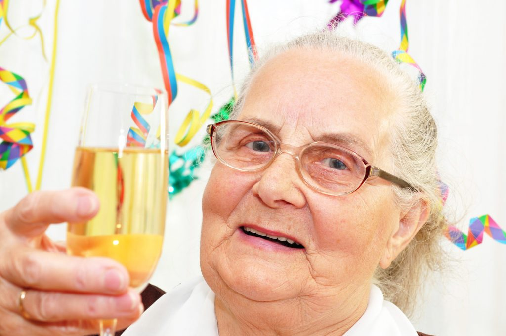 Ob Kerzen, Geburtstagslieder oder ein schön dekorierter Geburtstagstisch - die Freude wird groß sein!