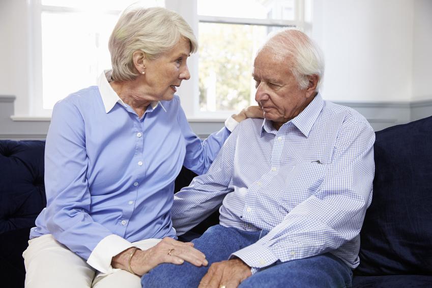 Füllwörter, die für unseren normalen Sprachgebrauch störend erscheinen, wirken bei Menschen mit Demenz beruhigend und halten die Kommunikation aufrecht